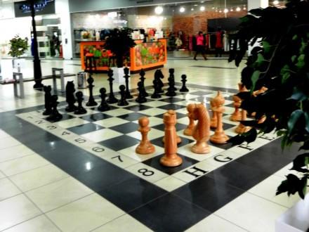 Шахматы напольные уличные из дерева 3.